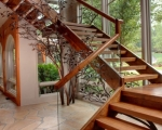 Лестница дерево тетивная