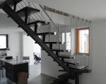 Металлическая лестница косоур