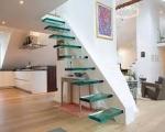 Стеклянная лестница консольная