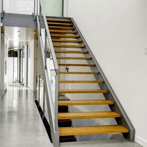 Металлические лестницы на тетиве
