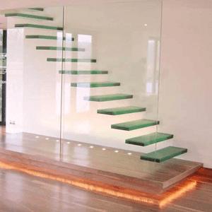 Стеклянные консольные лестницы